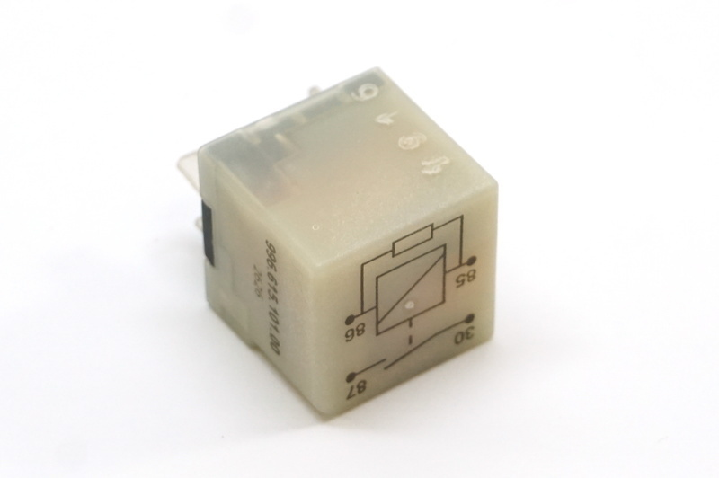 986 / 996 fuel pump relay